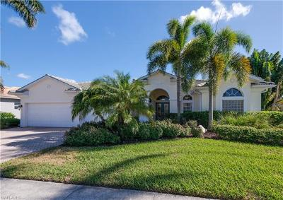 Estero Single Family Home For Sale: 19491 Playa Bonita Ct