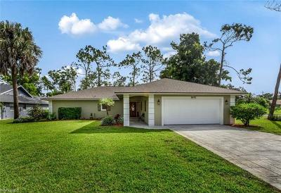 Naples Single Family Home For Sale: 3072 Round Table Ct