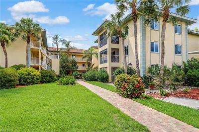 Naples Condo/Townhouse For Sale: 1001 Foxfire Ln #210