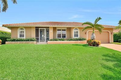 Marco Island Single Family Home For Sale: 364 Colonial Ave