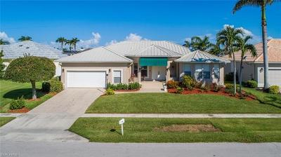 Marco Island Single Family Home For Sale: 130 Leeward Ct