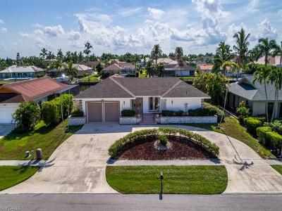 Marco Island Single Family Home For Sale: 379 Nassau Ct