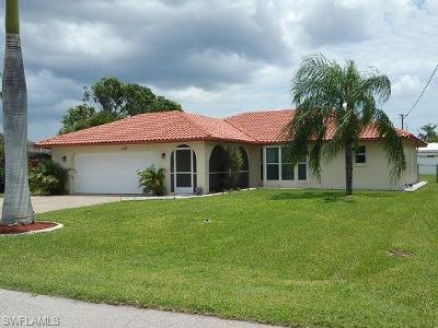 Cape Coral Single Family Home For Sale: 3725 SE 8th Pl