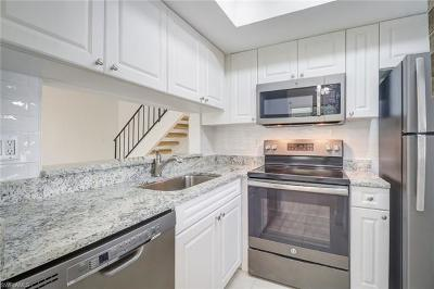 Fort Myers Condo/Townhouse For Sale: 5836 Queen Elizabeth Way #3