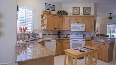 Naples Single Family Home For Sale: 8633 Gleneagle Way