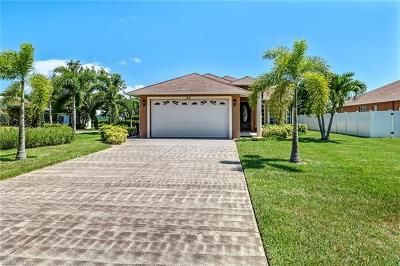 Bonita Springs Single Family Home For Sale: 86 7th St
