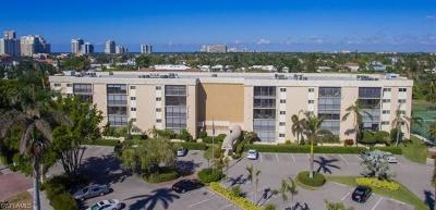 Condo/Townhouse Sold: 555 Park Shore Dr #B-507