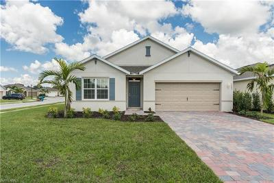 Cape Coral Single Family Home For Sale: 3483 Acapulco Cir