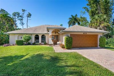 Naples  Single Family Home For Sale: 4013 Ivy Ln W