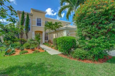Naples Single Family Home For Sale: 8253 Laurel Lakes Blvd