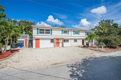 Fort Myers Beach Multi Family Home For Sale: 189 Dakota Ave