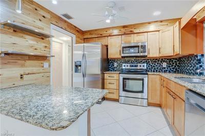 Naples Condo/Townhouse For Sale: 3830 Estero Bay Ln