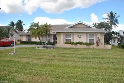 Cape Coral FL Single Family Home For Sale: $299,999