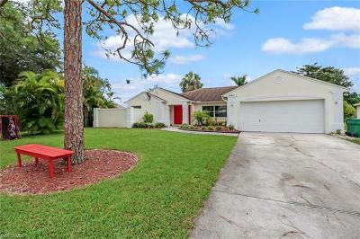 Naples Single Family Home For Sale: 3161 Pineapple Ct