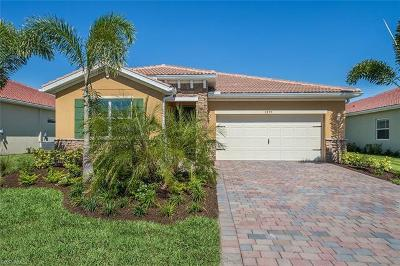 Cape Coral Single Family Home For Sale: 2899 Sunset Pointe Cir