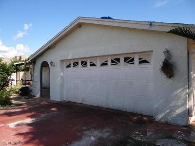 Collier County, Lee County Single Family Home For Sale: 5454 27th Pl SW