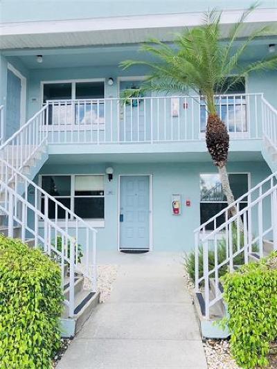 Naples FL Condo/Townhouse For Sale: $152,999