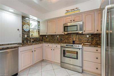 Naples Condo/Townhouse For Sale: 276 2nd St S #276