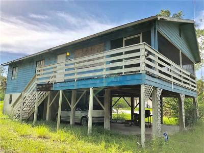 Naples Single Family Home Pending With Contingencies: 131 Everglades Blvd S