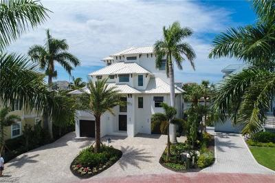 Bonita Springs Single Family Home For Sale: 223 Bayfront Dr