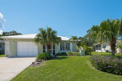 Naples Park Single Family Home For Sale: 558 102nd Ave N
