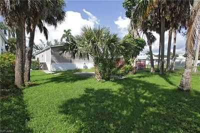 Goodland, Marco Island, Naples, Fort Myers, Lee Mobile/Manufactured For Sale: 162 Jeepers Dr