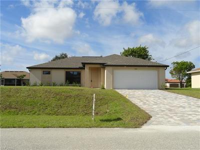 Cape Coral Single Family Home For Sale: 2420 NW 3rd Ave