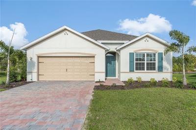 Cape Coral Single Family Home For Sale: 2712 Loreto Ct
