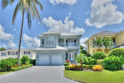 Naples Park Single Family Home For Sale: 9242 Vanderbilt Dr