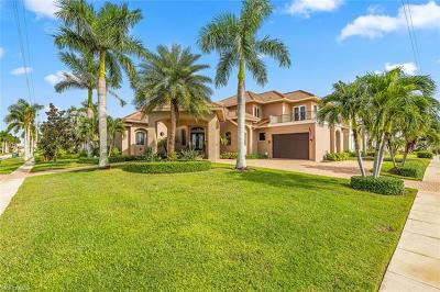 Marco Island Single Family Home For Sale: 901 Hyacinth Ct