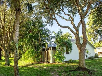 Bonita Springs Condo/Townhouse For Sale: 12355 Londonderry Ln
