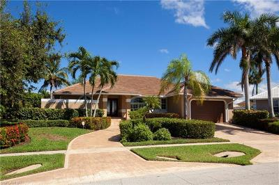 Marco Island Single Family Home For Sale: 1241 Mimosa Ct