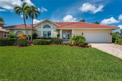 Marco Island Single Family Home For Sale: 1659 Rainbow Ct
