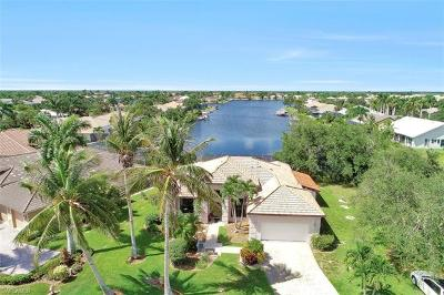 Naples Single Family Home For Sale: 171 Cays Dr