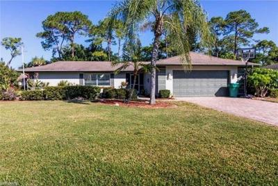 Naples Single Family Home For Sale: 675 Cypress Way E