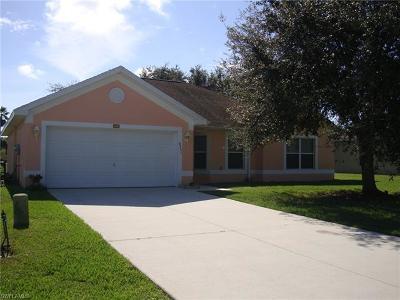 Lehigh Acres Single Family Home For Sale: 8251 Liriope Loop