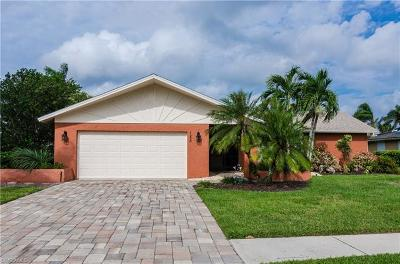 Naples Single Family Home For Sale: 155 Saint Andrews Blvd
