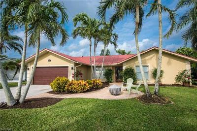 Naples Single Family Home For Sale: 9846 Sandringham Gate