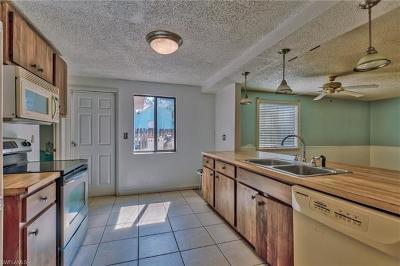 Naples FL Single Family Home For Sale: $210,000