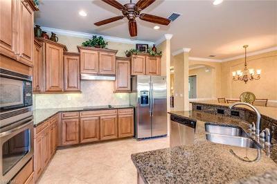 Naples Single Family Home For Sale: 10504 Heritage Bay Blvd