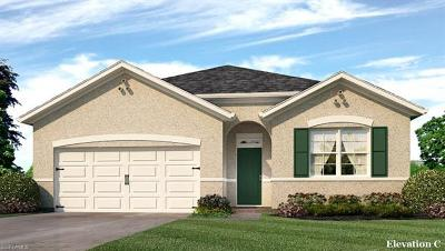 Lehigh Acres Single Family Home For Sale: 10500 Canal Brook Ln