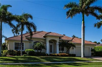 Marco Island Single Family Home For Sale: 1722 Dogwood Dr