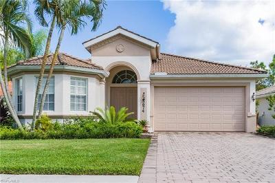 Naples Single Family Home For Sale: 5674 Lago Villaggio Way
