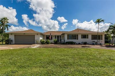 Marco Island Single Family Home Pending With Contingencies: 553 Yellowbird St