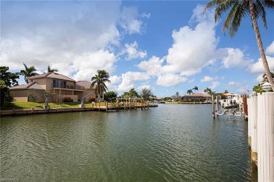 Marco Island Single Family Home For Sale: 1259 Treasure Ct