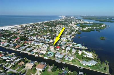 Fort Myers Beach Single Family Home For Sale: 237 Egret St