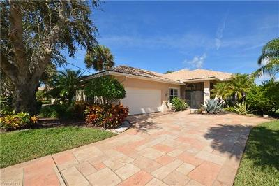 Bonita Springs Single Family Home For Sale: 13661 Southampton Dr