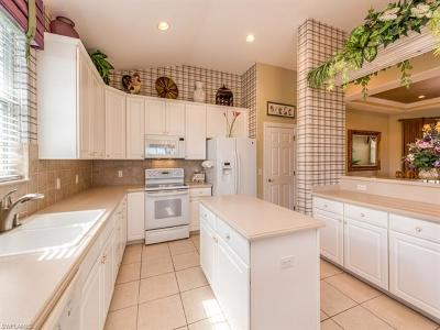 Naples Condo/Townhouse For Sale: 4740 Shinnecock Hills Ct #4-202