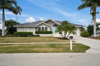 Marco Island Single Family Home For Sale: 1181 Marlin Ct