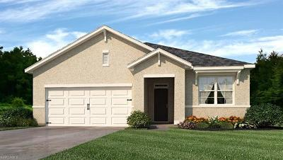Lehigh Acres Single Family Home For Sale: 10520 Canal Brook Ln